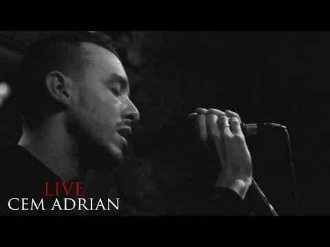 Cem Adrian - Her Aşkın Bir Şarkısı Var (Live)