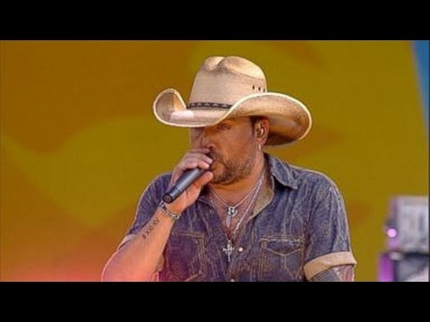 Jason Aldean - Dirt Road Anthem [LIVE GMA PERFORMANCE]