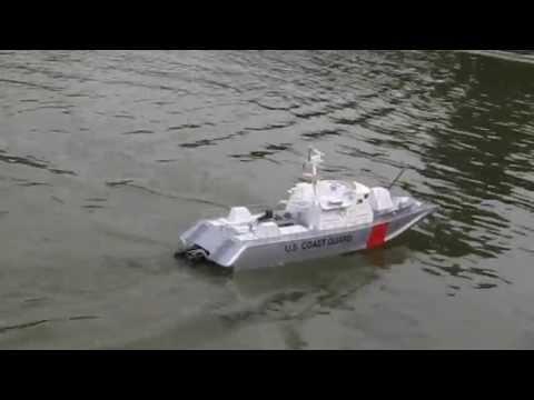 Offshore Club de Paris 2013 : La vedette US Coast Guard de Gilles  - Modèle réduit RC