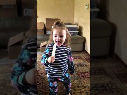 Little Girl Struggles to Pronounce the Word Popsicle - 988781