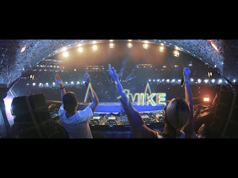 Смотреть клип Dimitri Vegas & Like Mike X W&w X Fedde Le Grand - Clap Your Hands