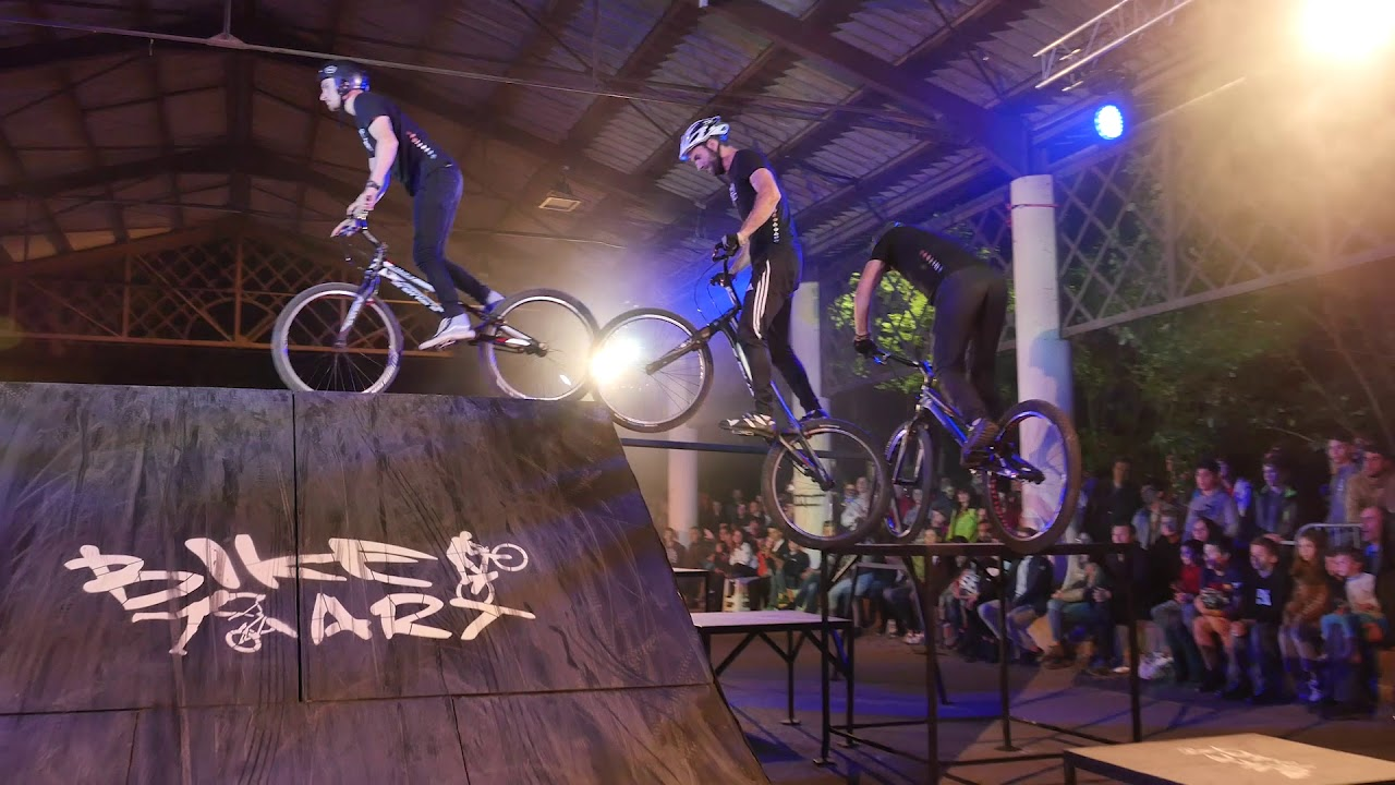 show, spectacle, animation, bike art