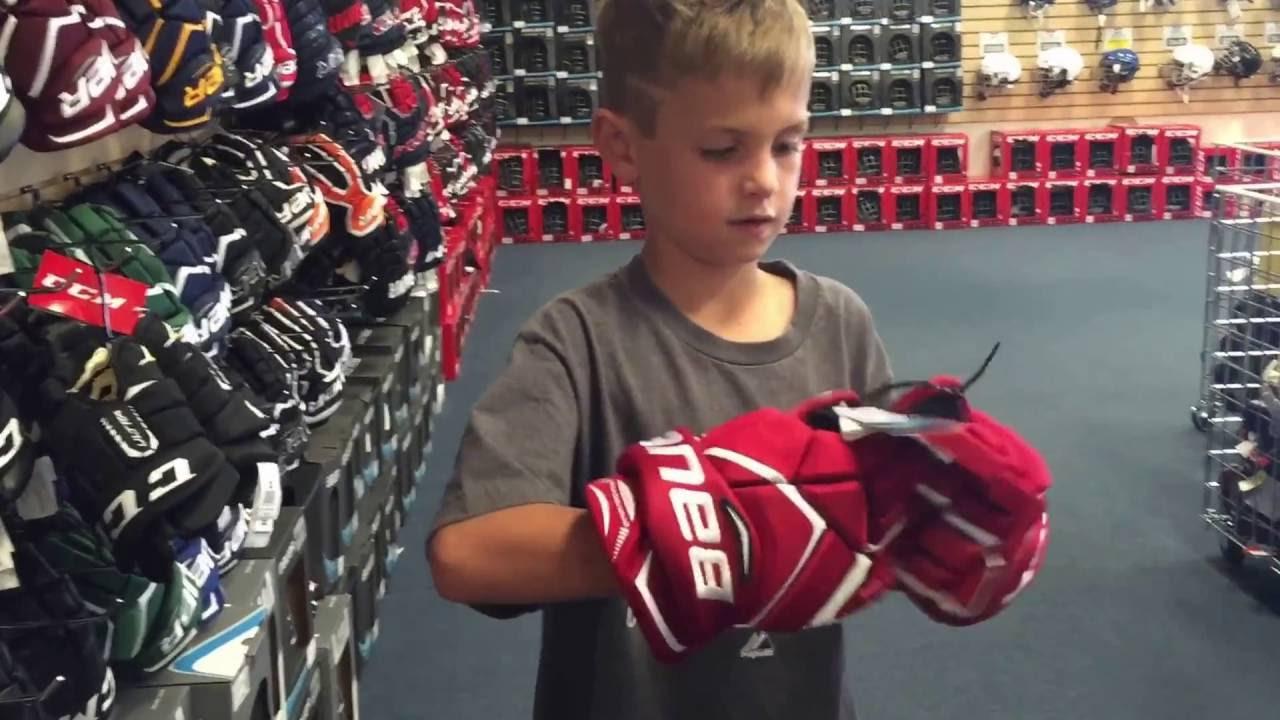 Kids Hockey- Buying new skates and equipment - YouTube