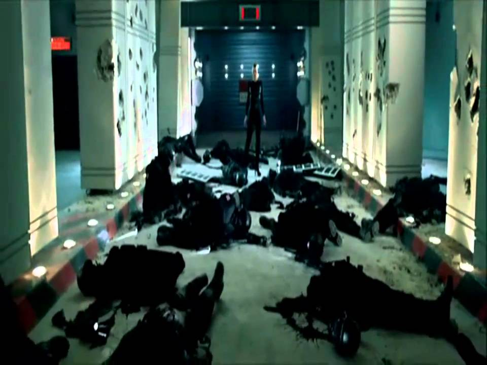 Resident Evil Afterlife Arrival Of First Clone Of Alice Youtube