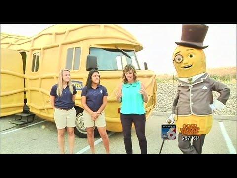 Planter's Nutmobile And Oscar Mayer Wienermobile