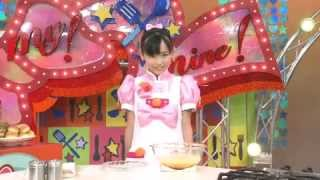 Cute Japanese girl instructs how to make cake omelette