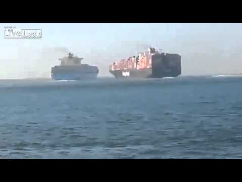 Large Container ships collide in Egypt | Ship Crash