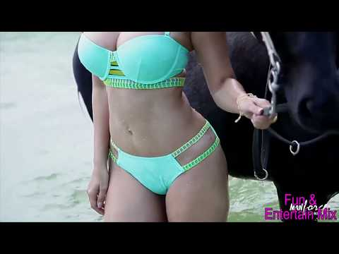 Download Sunny Leone Bikini Photoshoot Hot