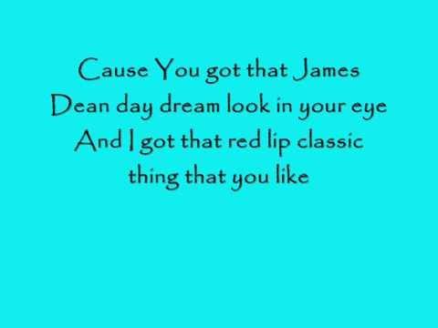 Taylor Swift - Style (Lyric Video)