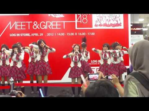 JKT48 - Kimi no Koto Ga Suki Dakara @ Sesi 1 [MnG @ Log In Store Bandung]