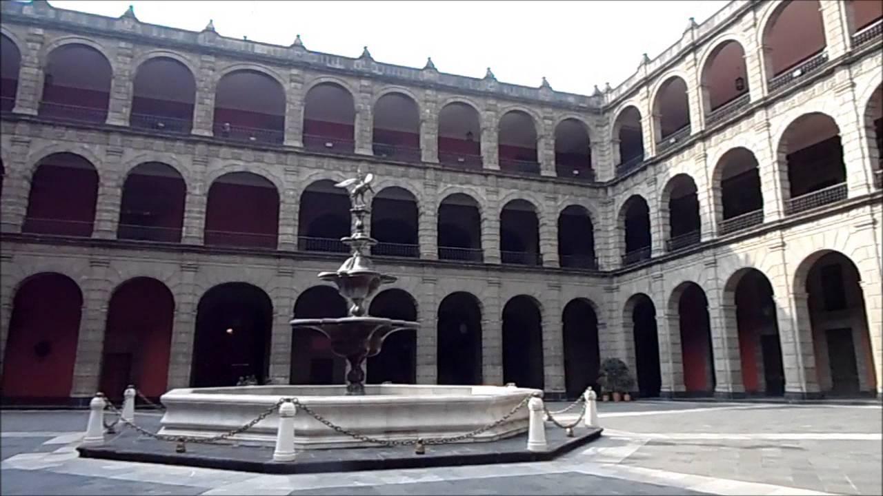 Inside of palacio nacional in mexico city part 1 dentro for Palacio de los azulejos mexico