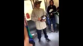 increible rapero en metro de valparaiso