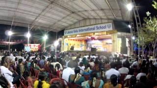 S.P.Balasubrahmanyam (Padmashri padma Bhushan) singing 5 language song