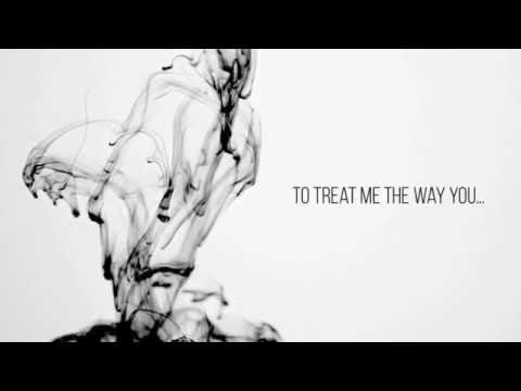 Azealia Banks - USED TO BEING ALONE (Lyric Video)