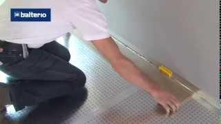 Укладка ламината видеоурок(Подробную инструкцию по укладке ламината можно посмотреть здесь:http://floors-doors.ru/stati/40-laminirovannyj-parket-laminat-tekhnologiya-uk..., 2013-06-20T17:02:40.000Z)