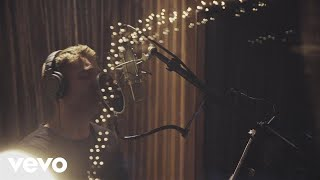 Video Brett Young - O Holy Night download MP3, 3GP, MP4, WEBM, AVI, FLV Agustus 2018