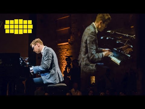 Víkingur Ólafsson – Bach: Prelude and Fugue in D major, BWV 850 | Yellow Lounge