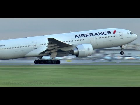 Air France 777-200 Sunset Takeoff from Montreal
