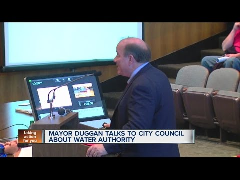 Mayor Mike Duggan presents water deal