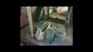 Jade Carving: Cutting a jade stone