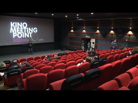 شاهد: أول عرض سينمائي بعد شهرين من الإغلاق في البوسنة  - 12:59-2020 / 5 / 30
