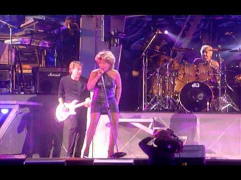 18   Tina Turner   Addicted To Love   LIVE