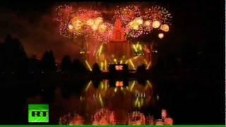 Un brillante show láser corona el 864º aniversario de Moscú