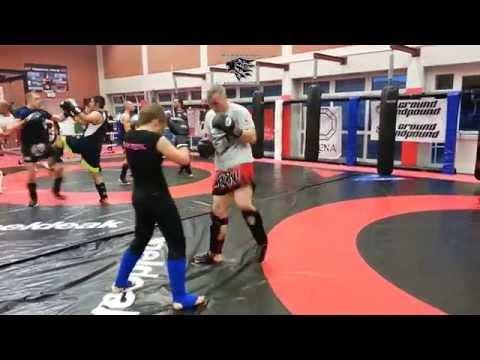 Muay Thai - Kickboxing - K1 - Powerfrau Olga in Action...Peace (Full HD)