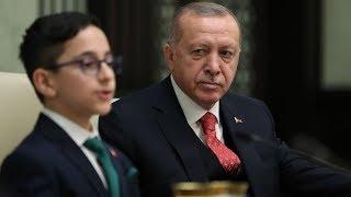 Cumhurbaşkanı Erdoğan'ın koltuğuna, küçük Ozan