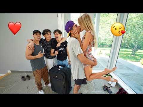 Jenna Marbles Shares Awkward Date Story & YouTube Crush! (PLAYLIST 2015) from YouTube · Duration:  4 minutes 6 seconds