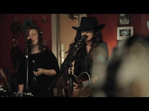 Lindi Ortega - You Ain't Foolin' Me [Live]