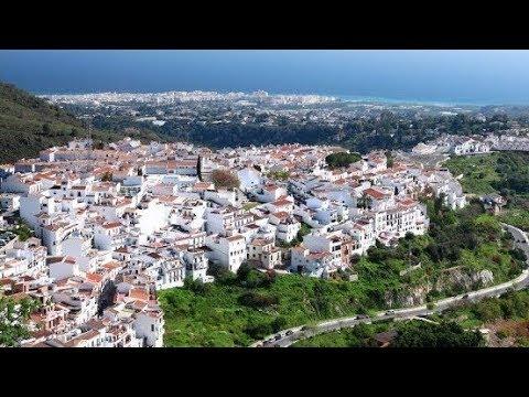 Nerja y Frigiliana, el color de la Axarquía. Málaga
