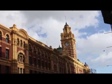 Flinders Street railway station - Melbourne, Australia
