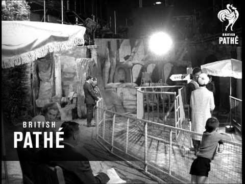 Muna On The Set (1966) thumbnail