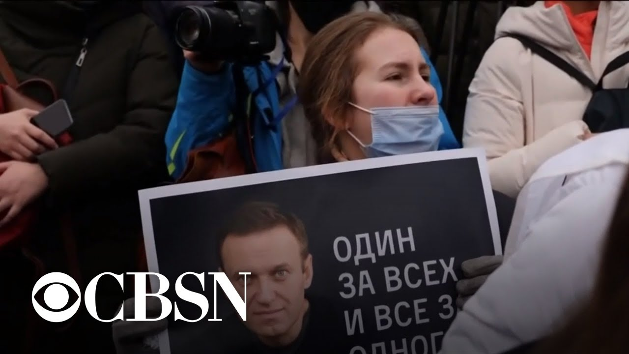 HK protesters support Russians to overthrow Tzar Vladmir Putin