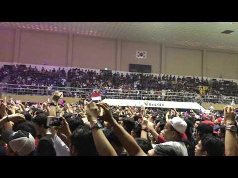 Sumpah bikin merinding...INDONESIA PUSAKA by KOTAK BAND