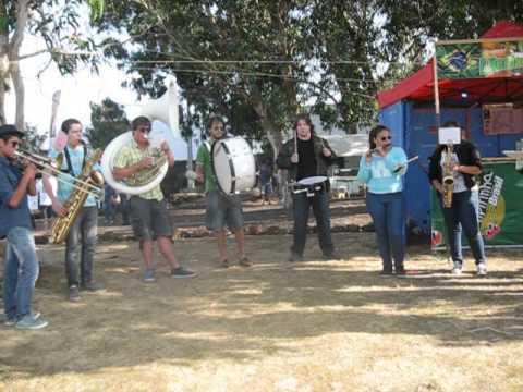 Play that Funky Music por Brassados Band