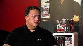 E' il figlio del narcotrafficante più famoso della storia. dopo la morte padre nel 1993, juan pablo escobar ha dovuto cambiare identità e lasciare col...