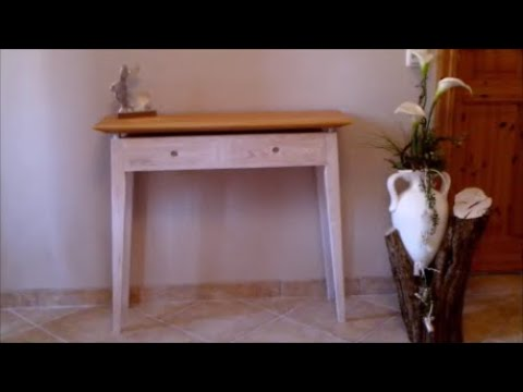 A small and simple side table with two drawers. DIY ( ein kleiner und einfacher Beistelltisch )