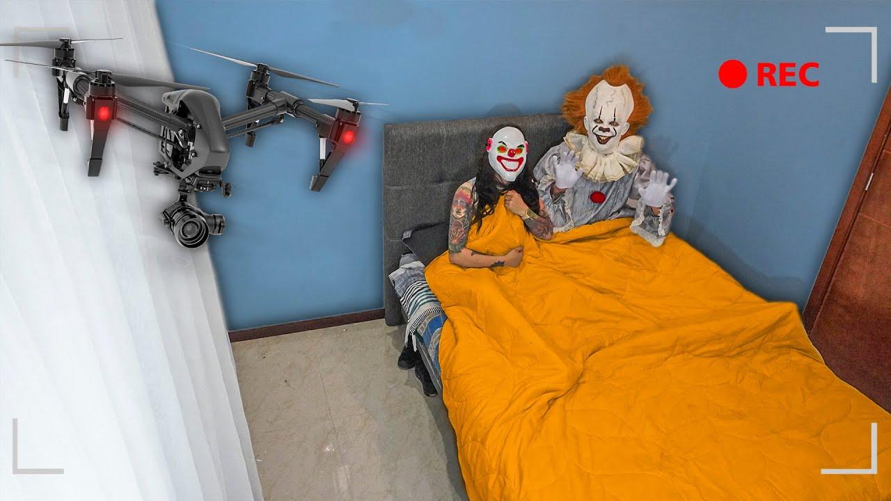 Download SORPRENDO AL PAYASO ASESINO Y MI EX EN LA CAMA * los espío con un drone