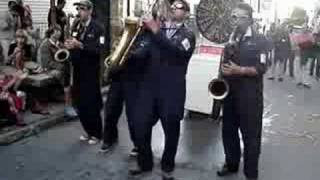 Sax-O-Matic - Day tripper (The Beatles) (in Québec City)