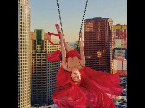 2018 Harpers Bazaar Cover Featuring JLo Wearing Le Vian