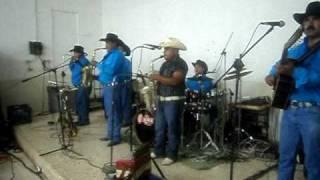 los corceles de linares huapango con 2 sax de la hacienda ala petaca tocando noe prado