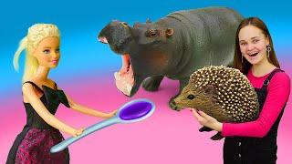 Игры для детей - Кукла Барби лечит зверей в Зоопарке! - Детское видео шоу Будет исполнено
