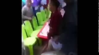 Video Mdada  aliyevaa  kimini  avuliwa  nguo  mbele  ya  umati  wa watu download MP3, 3GP, MP4, WEBM, AVI, FLV Juli 2018