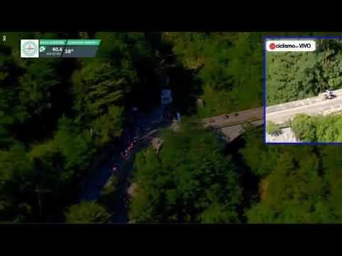 Arrepiante caída ao baleiro de Evenepoel en Il Lombardía