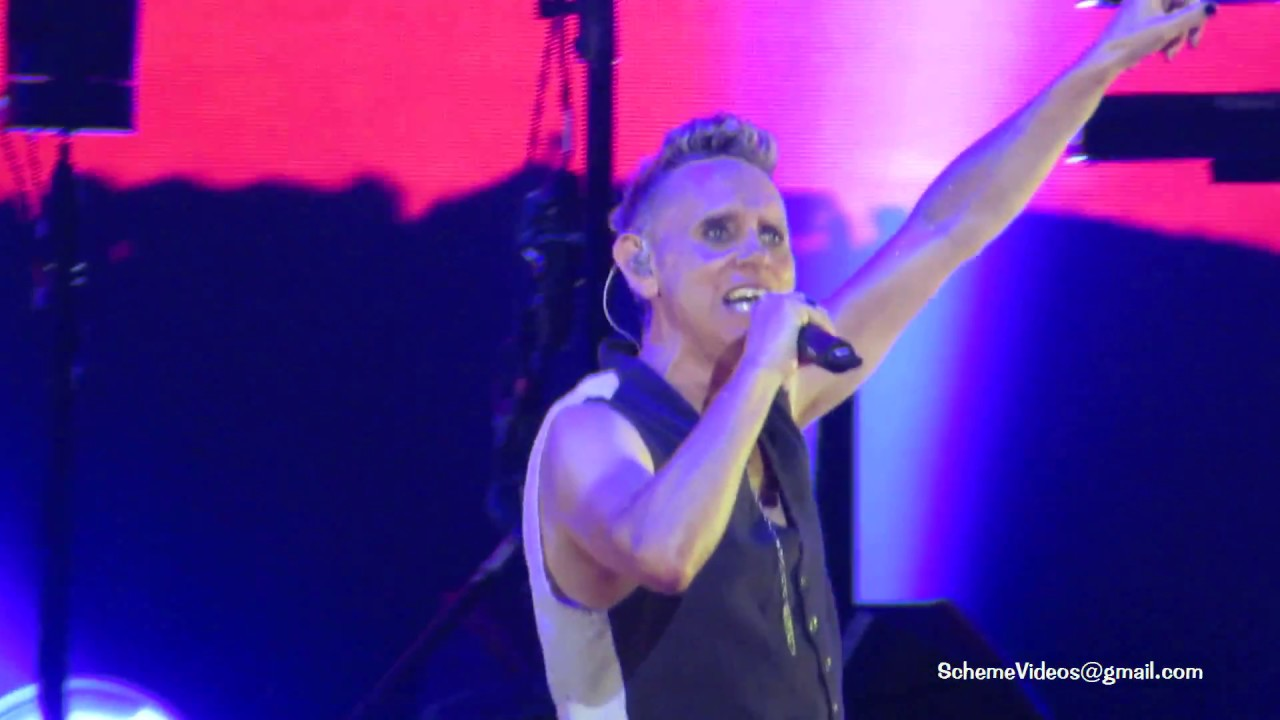 depeche mode a question of lust bell centre montreal. Black Bedroom Furniture Sets. Home Design Ideas