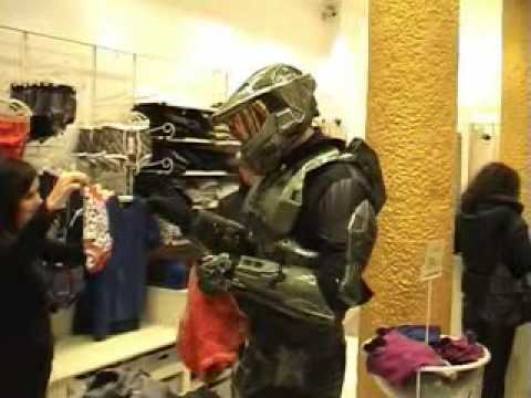 Master Chief in Milan 5