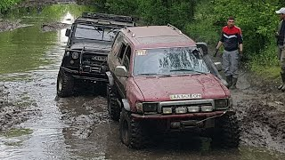 Новый пилот УАЗа на БТРовских спасает Chevrolet Niva на ТАНКОВОЙ дороге