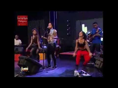 Stephanie - Tsy vahaolana (Live HD)